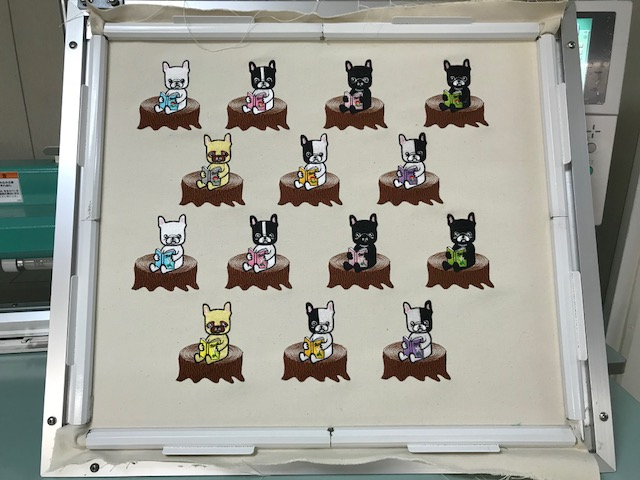 モリココさんのフレンチブルドック刺繍の試縫い♪ 読書📖