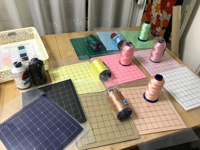 魔法のフェルト碁盤用の刺繍糸を購入して来ました^^