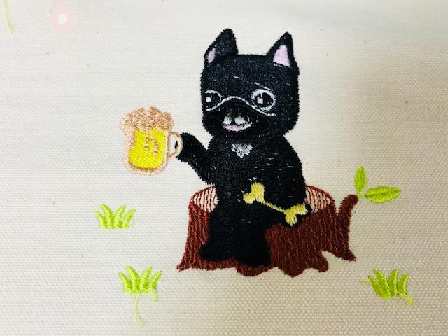 モリココさんの刺繍CD企画♪ ビールを飲むフレンチブルドックちゃん刺繍の試し縫い♪