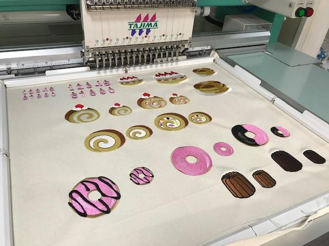 由美さんの刺繍CD企画  ドーナッツとカヌレの刺繍の鬼検品♪