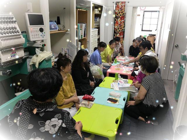 刺繍女子のプチ集会????     刺繍病の集い