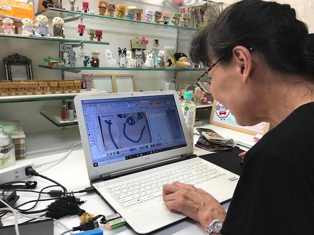 ミシン刺繍合宿♪ 子供の絵の刺繍でにんまり♡ (#^^#)