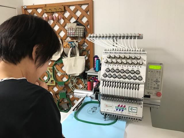 ミシン刺繍教室♪ また重症な刺繍病患者様が増えました( *´艸`)