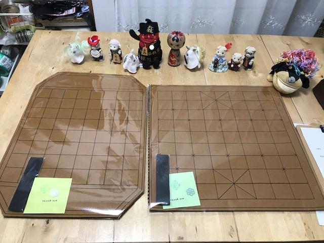 フェルト製 チャンギ (朝鮮将棋) 盤 とマックルック盤のご注文を頂きました。ありがとうございます。