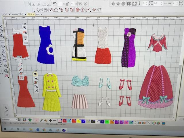 Classical刺繍CD企画♪ その2   着せ替え人形のドレスの試作♪